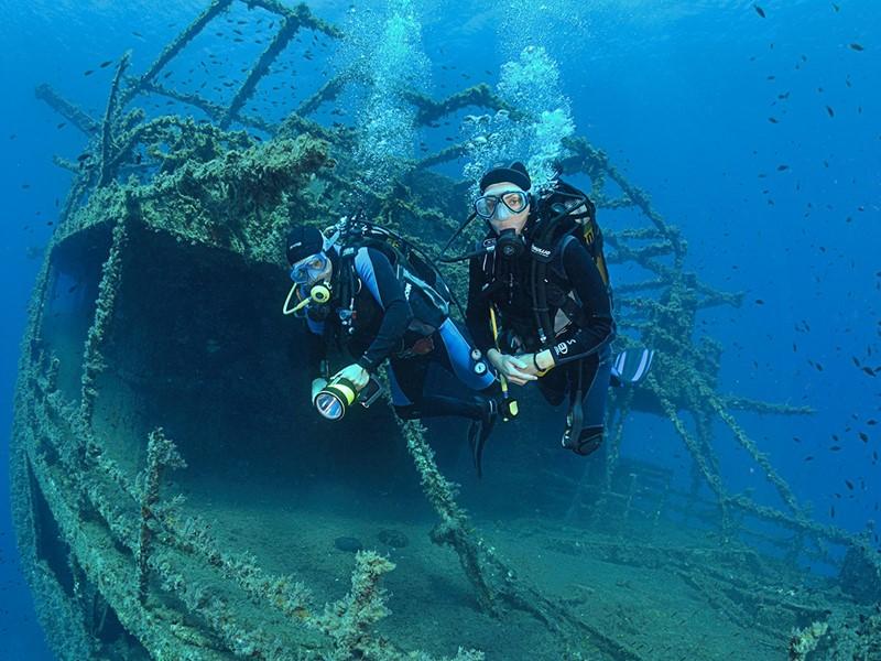 Explorez les fonds marins de Sérifos