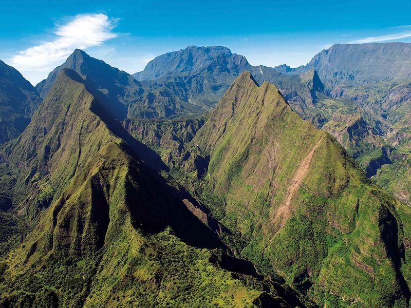 Partez à la découverte de La Réunion et de ses paysages verdoyants