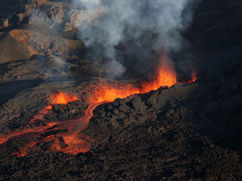 Découvrez le célèbre volcan actif, le Piton de la Fournaise