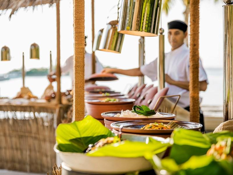 Savourez la cuisine diversifiée du restaurant Madi