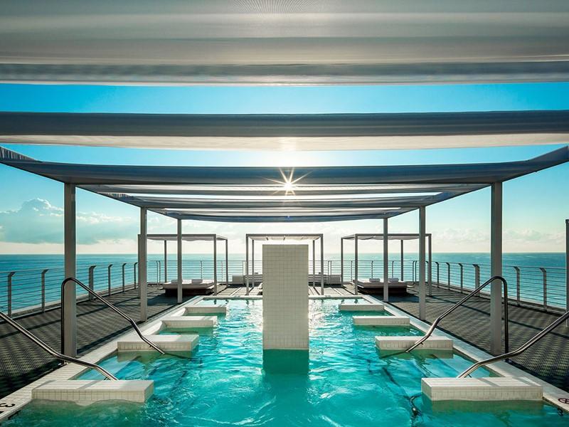 La piscine d'hydrothérapie du Como Metropolitan, à Miami