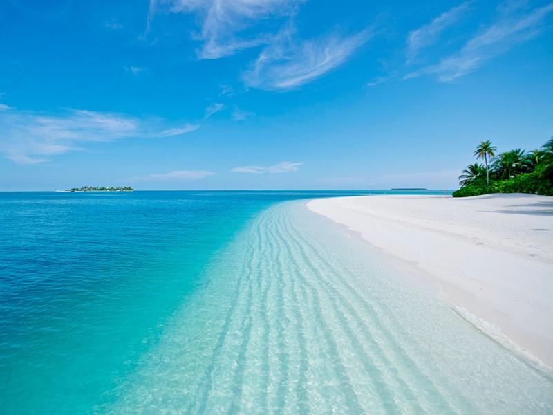 La superbe plage du Conrad Maldives Rangali Island