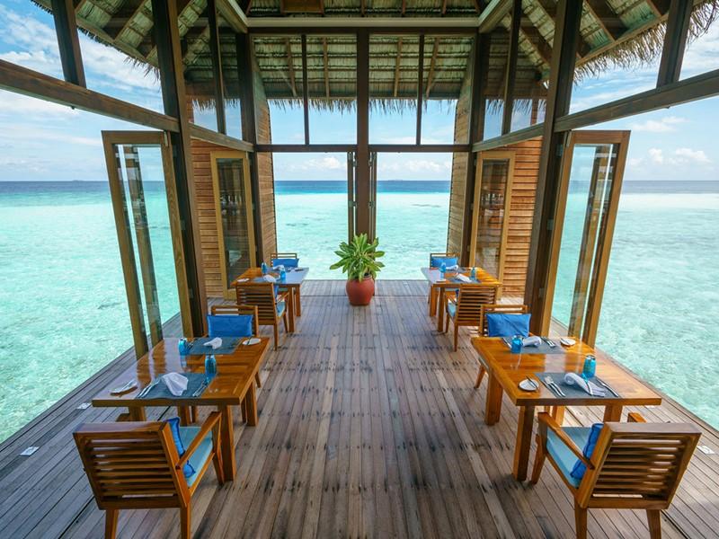 Le restaurant Mandhoo du Conrad aux Maldives