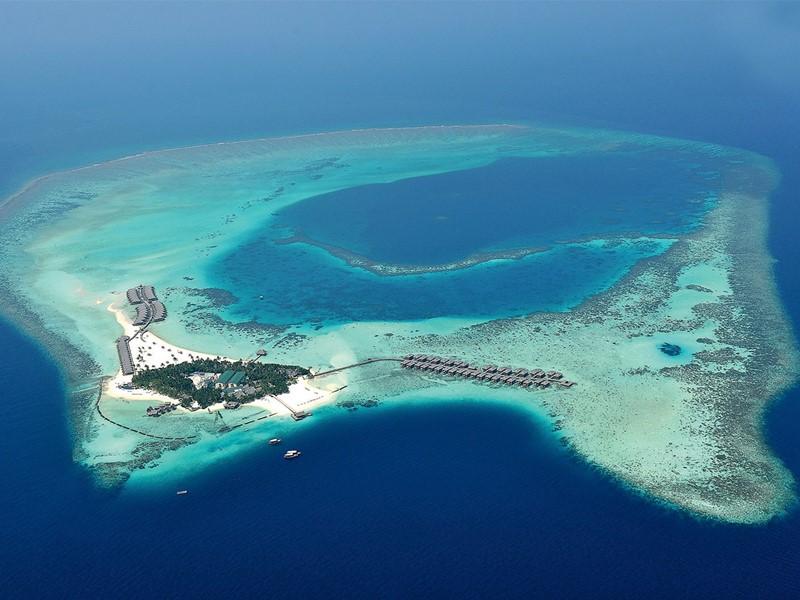 Vue aérienne du Constance Moofushi Maldives