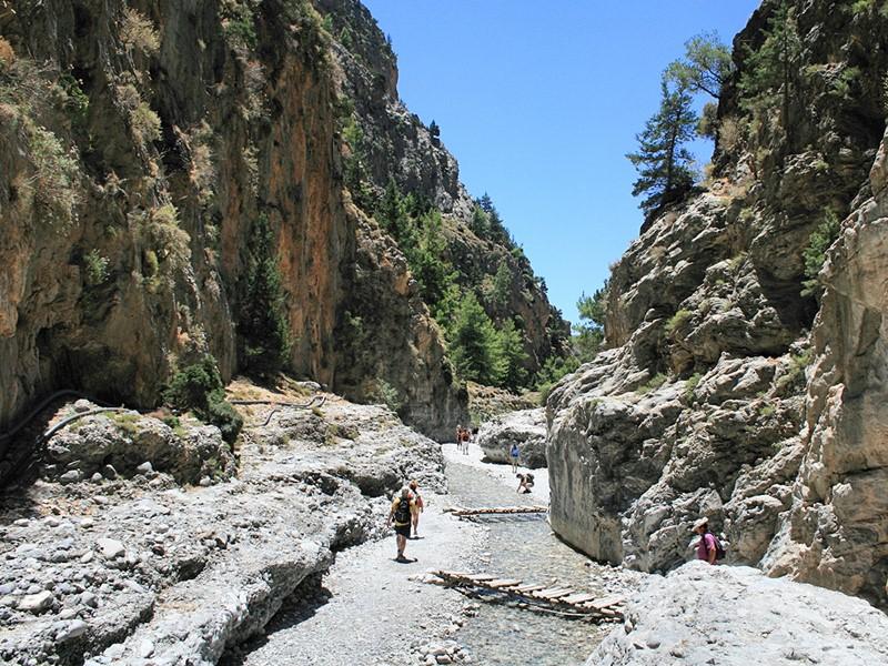 Rejoignez les gorges de Samarias pour découvrir des paysages uniques