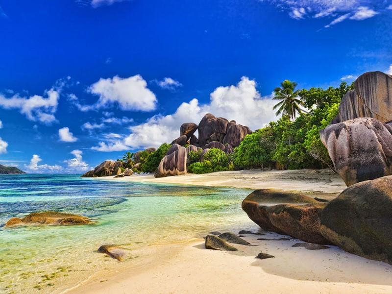 De toutes les îles seychelloises, La Digue est probablement celle qui incarne le mieux l'image de carte postale qu'évoque l'archipel