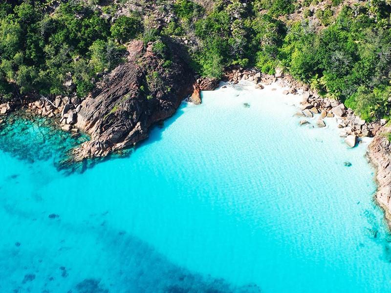 Superbe excursion sur la fameuse impressionnante île Curieuse, une petite île granitique