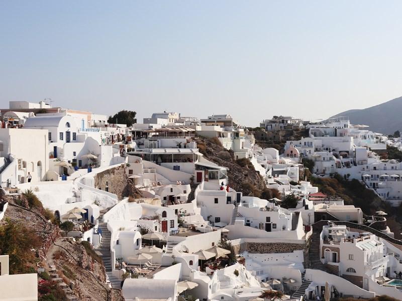 Santorin et ses villages immaculés