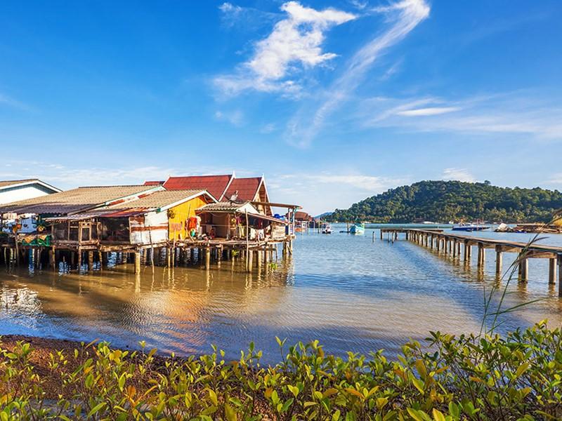 Naviguez sur le lac Tonle Sap, le plus grand lac d'eau douce d'Asie du Sud-Est et un site de première importance du point de vue écologique