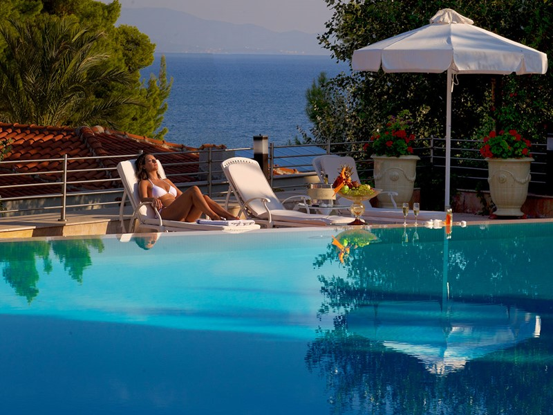 Profitez de la superbe piscine de l'hôtel