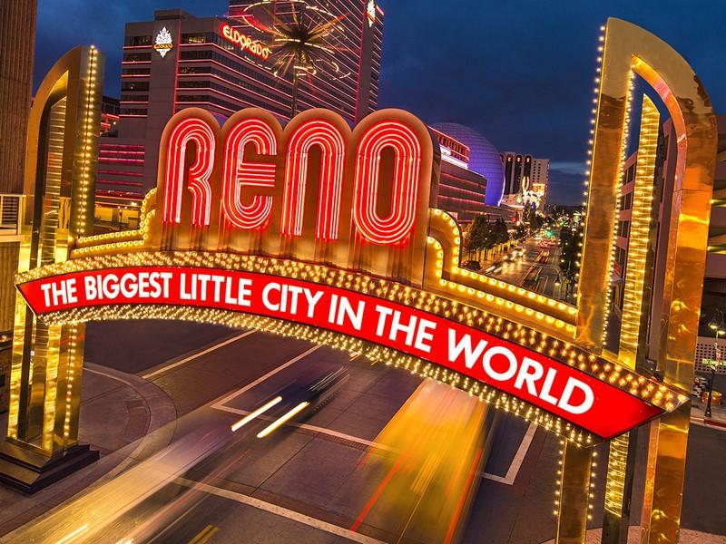 Rejoignez Reno, un Las Vegas en version miniature et plus sage