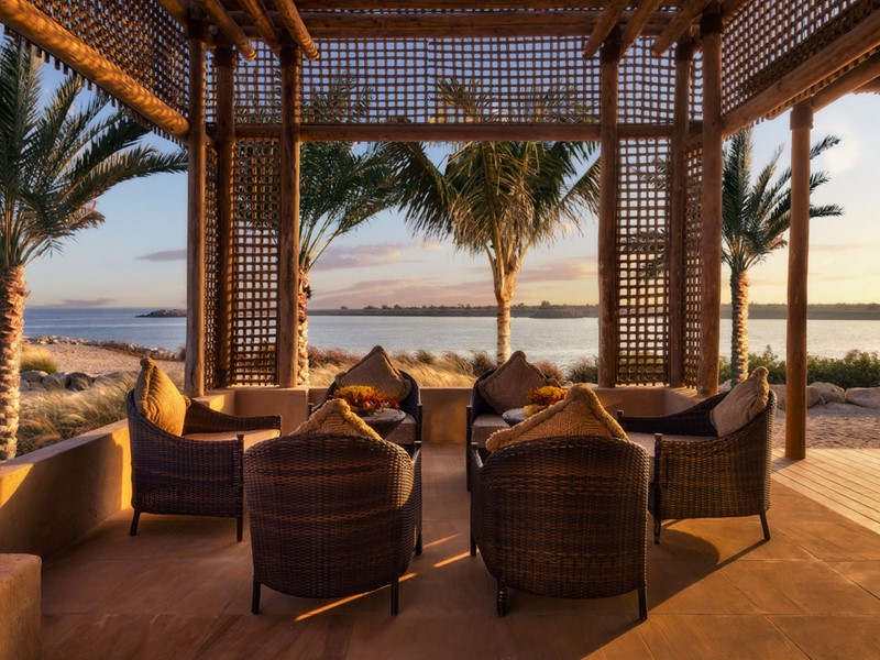 Le restaurant Amwaj du Desert Islands Resort by Anantara