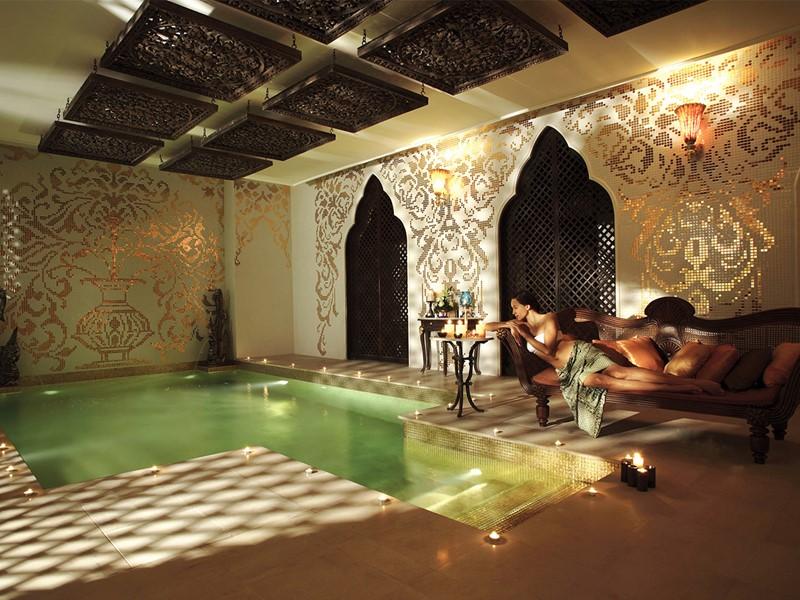 La piscine Watsu du spa de l'hôtel Dhara Dhevi en Thailande