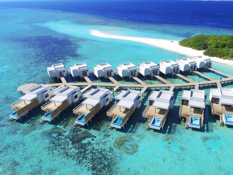 Vue des splendides villas du Dhigali Maldives