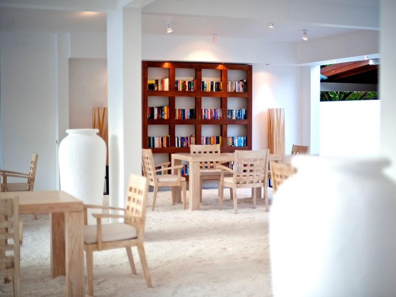 La bibliotheque de l'hôtel
