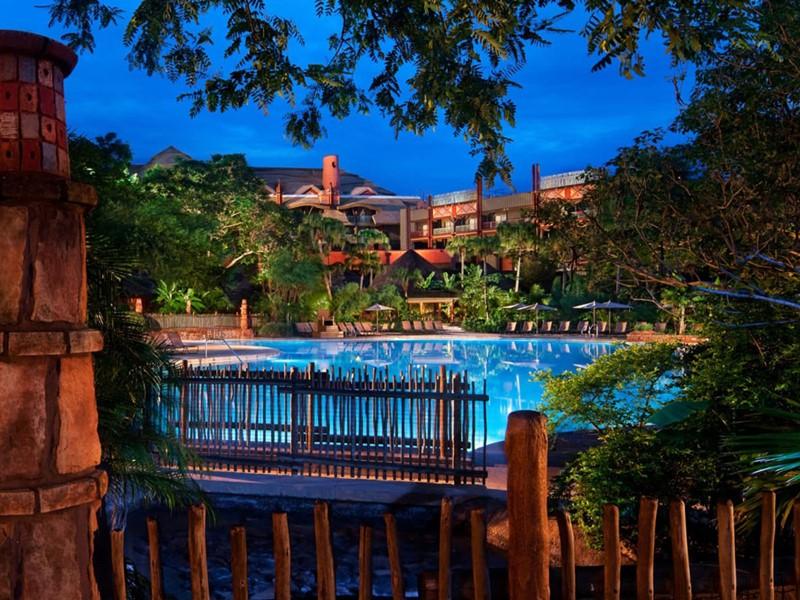 La piscine du Disney's Animal Kingdom Lodge à Orlando.