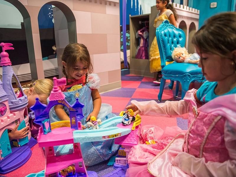Les enfants vivront une expérience magique au Disney's Polynesian Village.