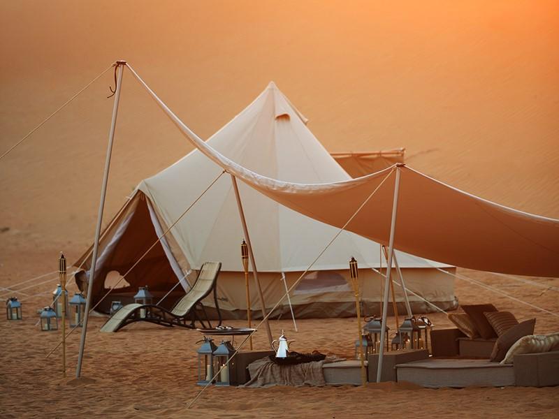 Un campement mobile aux tentes luxueuses