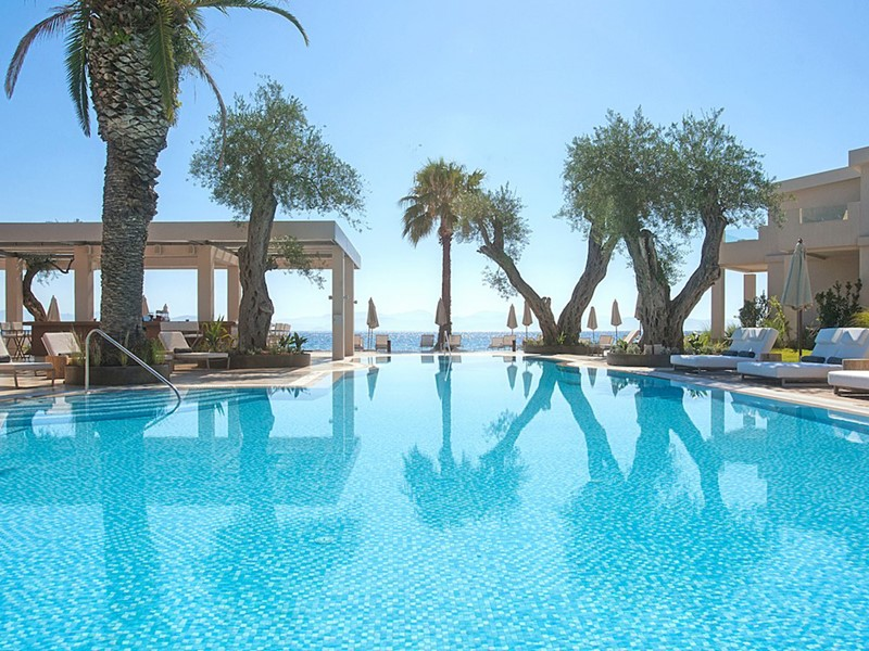 La superbe piscine du Domes Miramare, a Luxury Collection Resort
