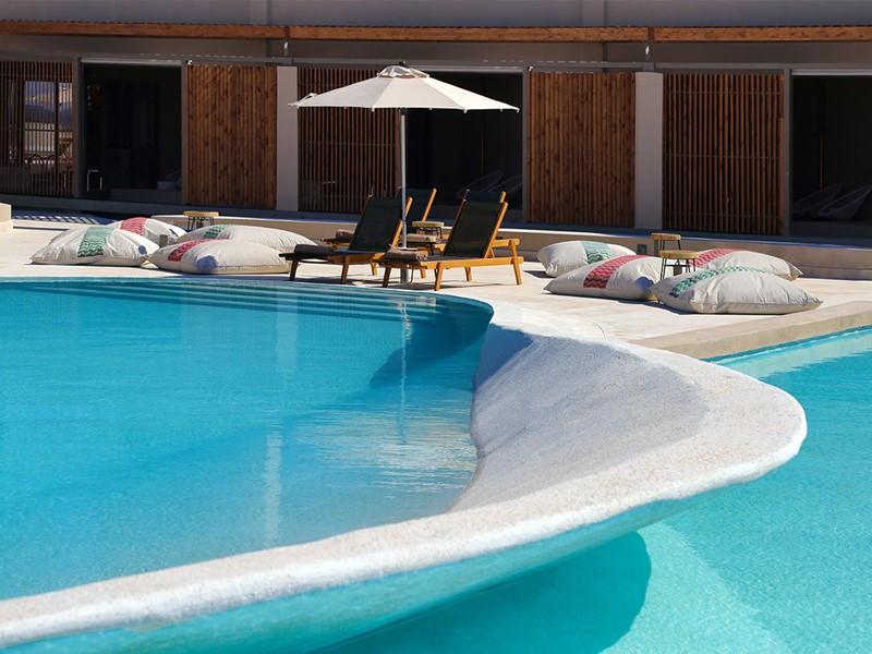 La piscine du Domes Noruz à Chania en Crête