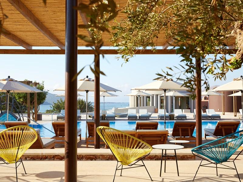 Le Domes-Plaza-Pool-Bar