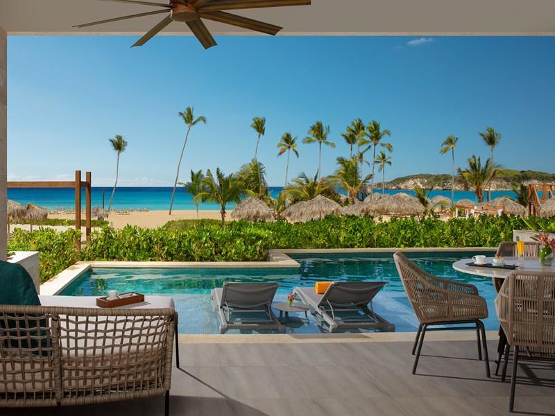 La superbe piscine de la Preferred Club Master Suite Swim-Out