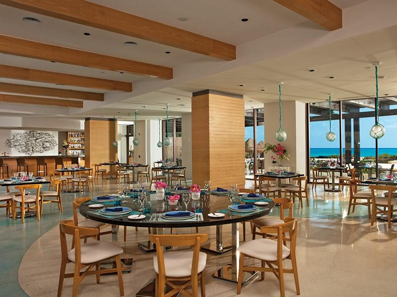 Délicieux fruits de mer au restaurant Maris du Dreams Playa Mujeres