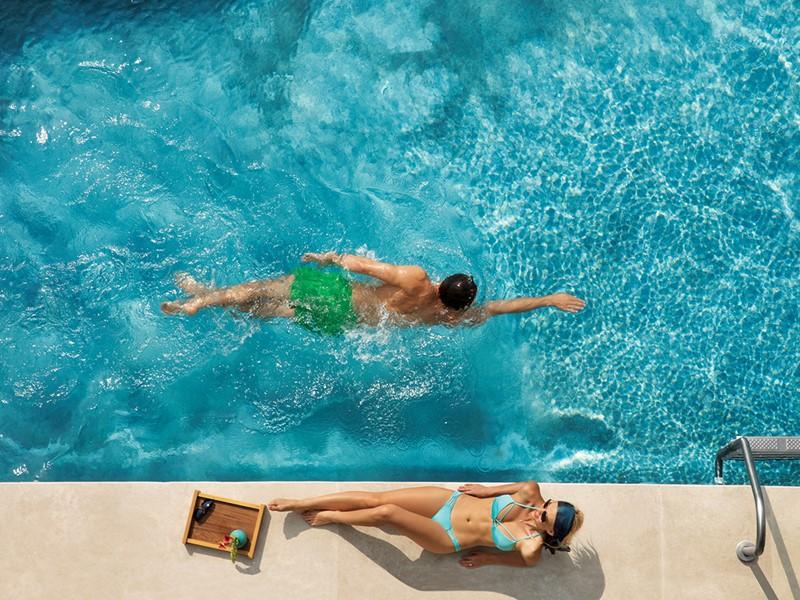 Profitez des belles piscines du Dreams Playa Mujeres