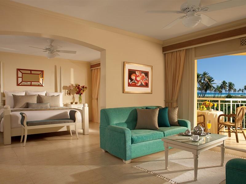 Preferred Club Honeymoon Suite