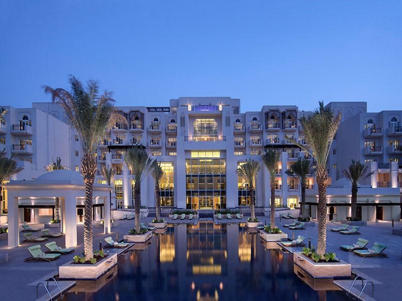Vue de la piscine du Eastern Mangrove Hotel & Spa