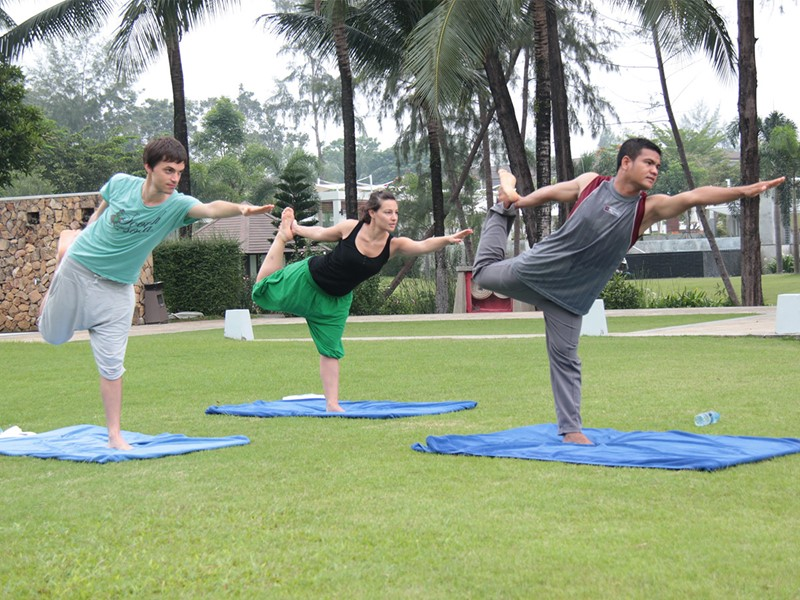 Yoga à l'hôtel Dusit Thani Beach Resort à Krabi