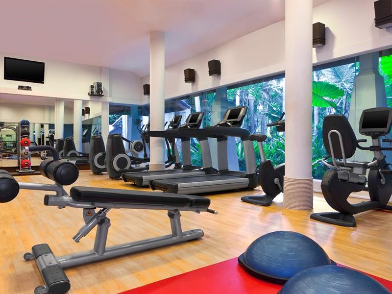 La salle de sport de l'hôtel Dusit Thani Krabi Beach Resort