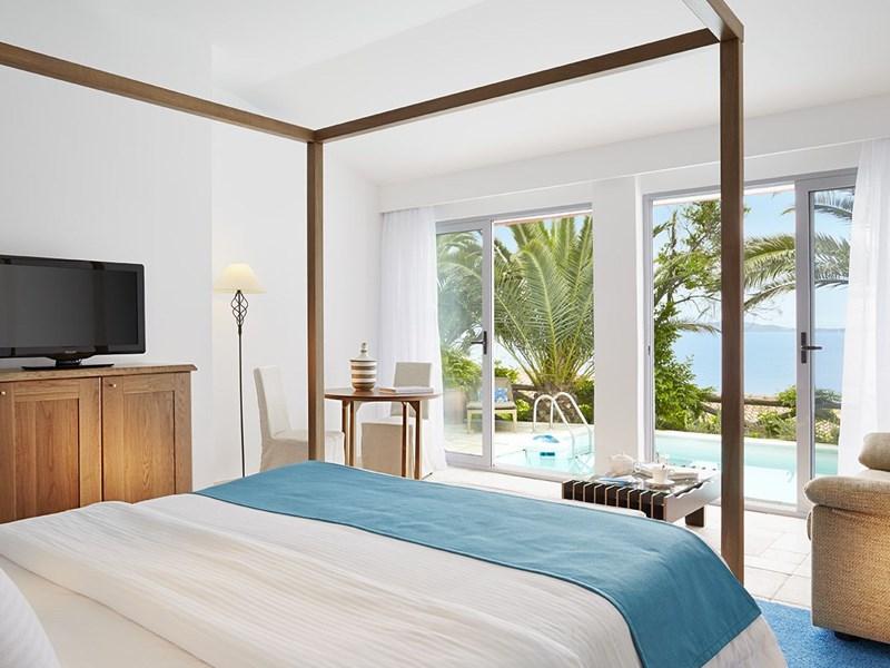 2 Bedroom Bungalow Private Pool Sea View de l'Eagles Palace