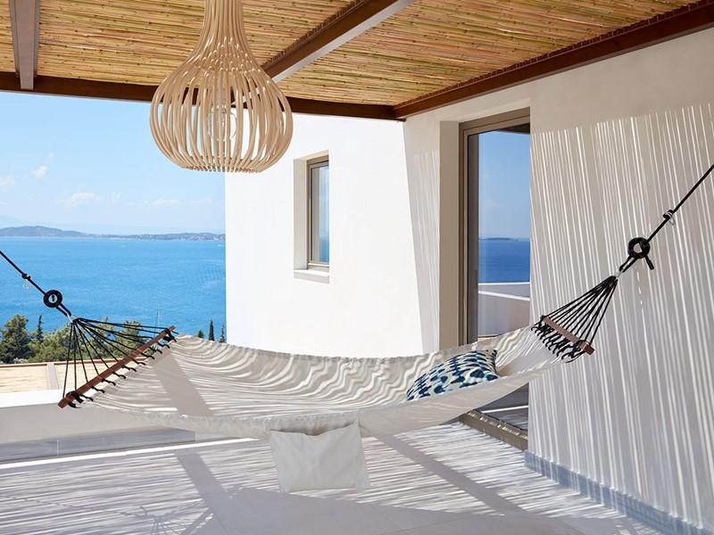 Détendez-vous sur la terrasse de votre villa