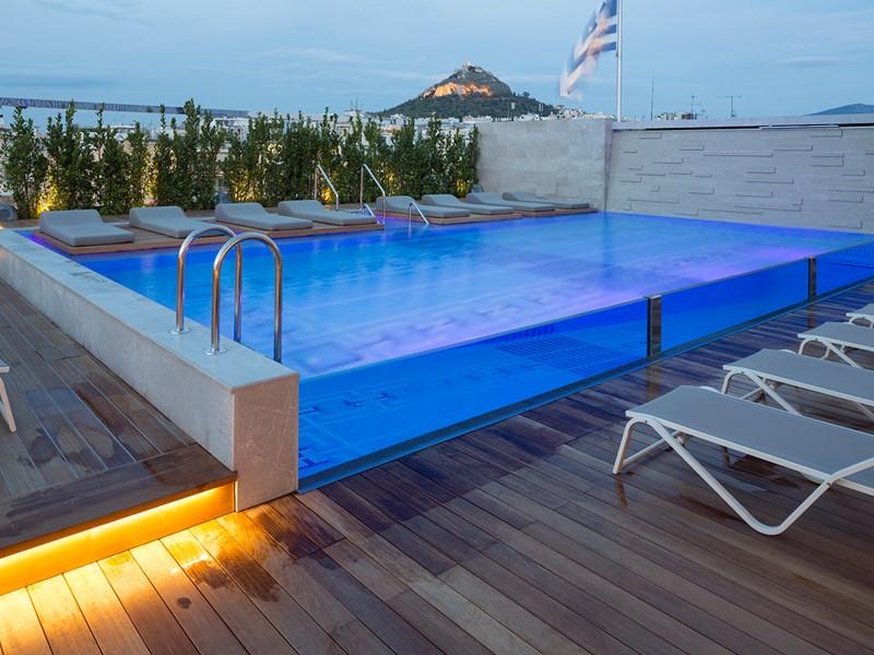 La piscine de l'Electra Metropolis