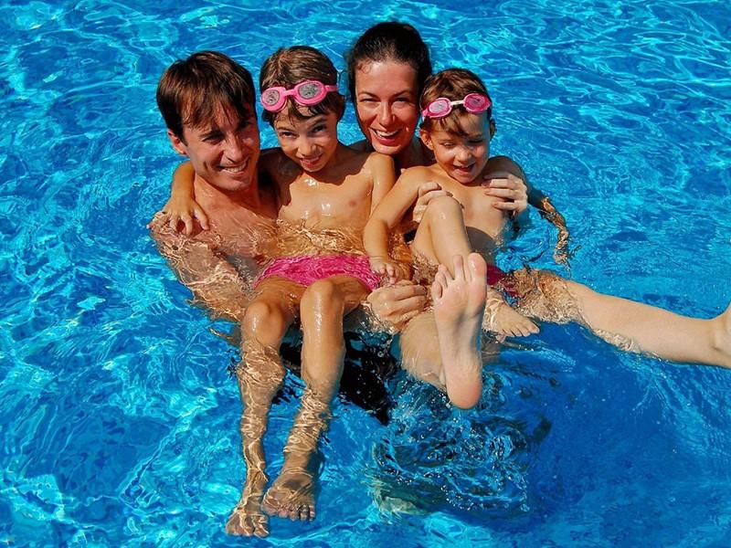 Profitez d'un moment en famille à l'Elounda Gulf Villas
