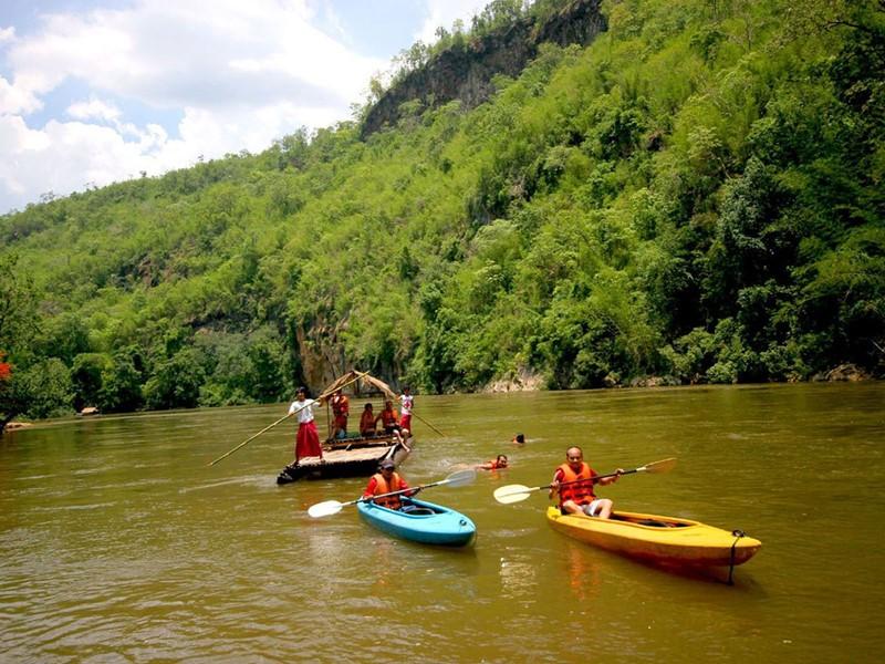 Profitez de votre temps libre pour faire un tour en kayak sur la rivière