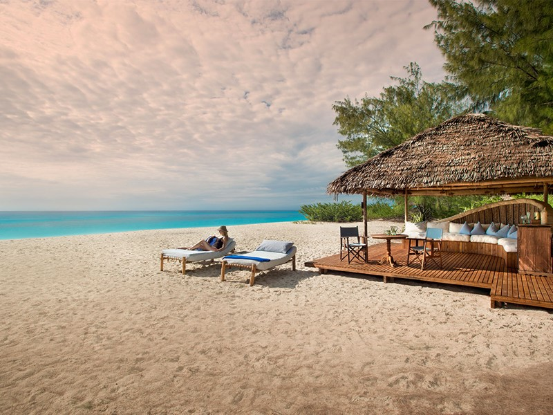 La superbe plage de l'hôtel &Beyond Mnemba Island