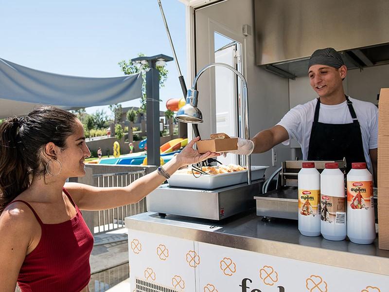 Découvrez la fast food grecque lors de votre séjour