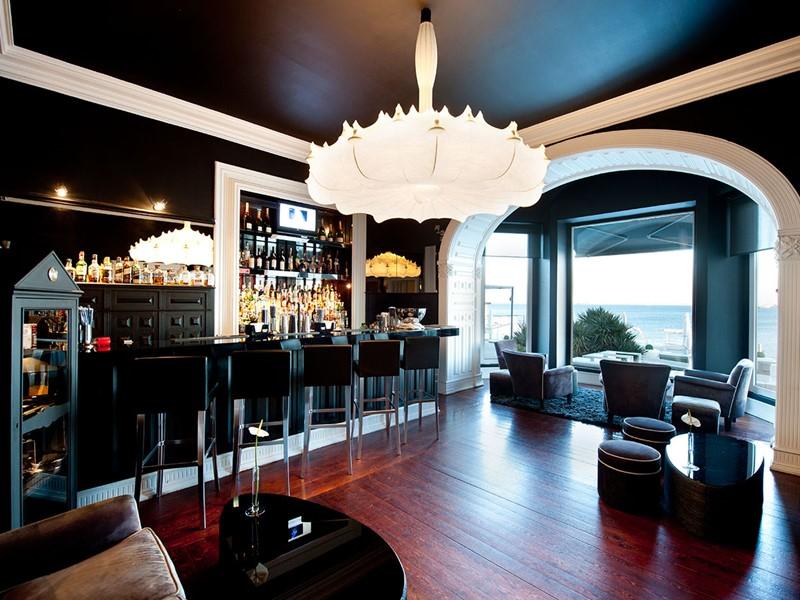 Le Bar Farol