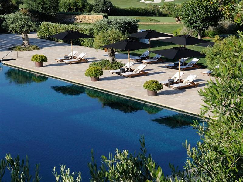 La piscine de l'hôtel Finca Cortesin situé à Marbella