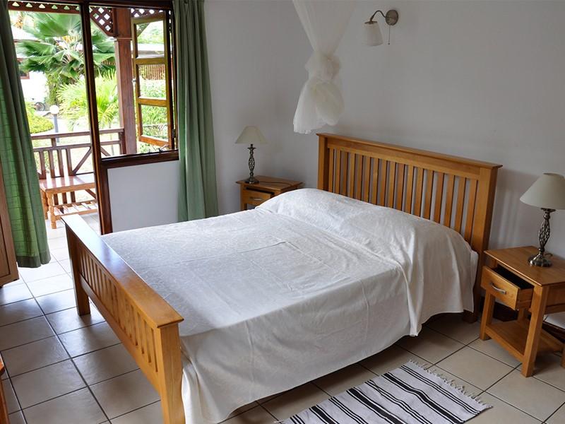 Une chambre d'un bungalow