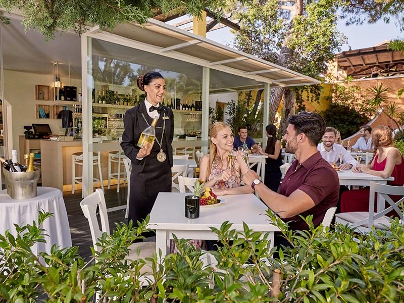Une large selection de vins vous attend au Forte Village