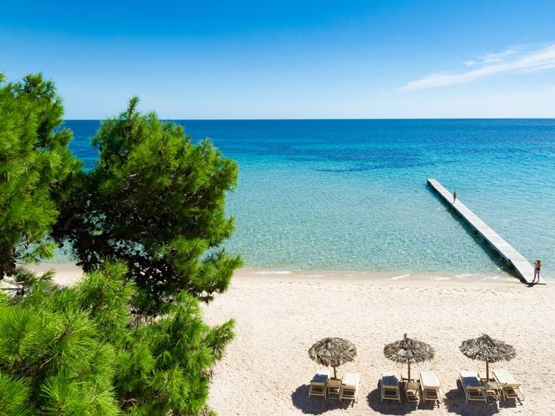 La plage et son eau turquoise