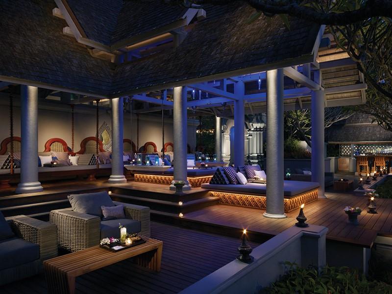 Le bar Ratree de l'hôtel Four Seasons Chiang Mai en Thailande