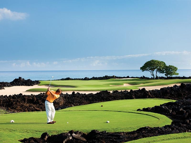 Le Four Seasons met à votre disposition un magnifique parcours de golf.