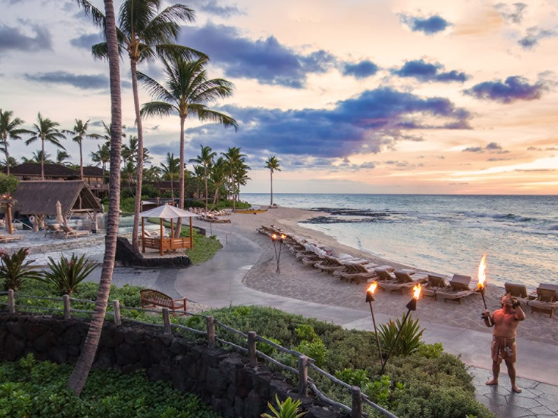 Expérience hawaiienne authentique au Four Seasons