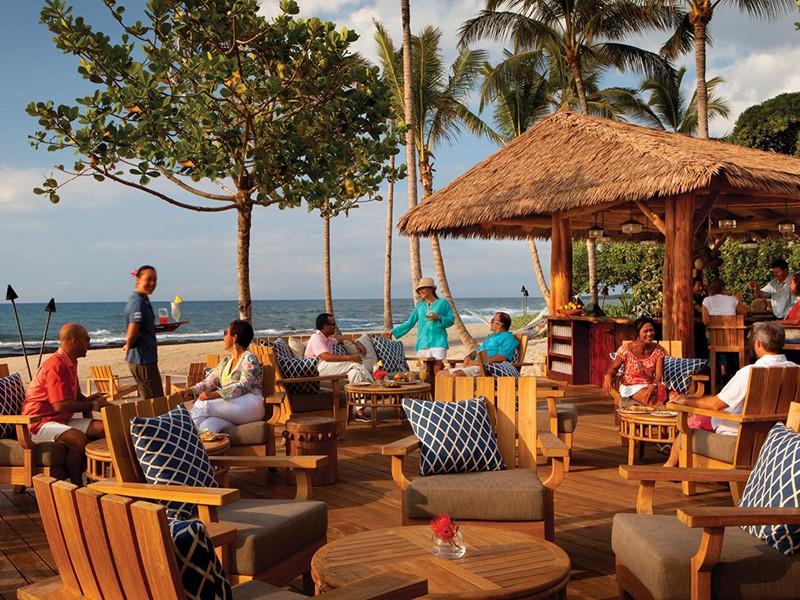 Détente au Beach Tree Bar & Lounge du Four Seasons
