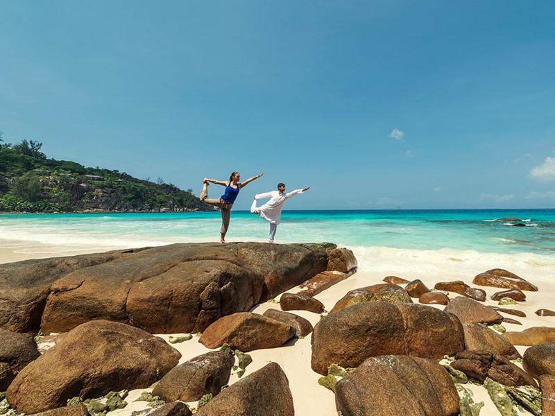 Yoga à l'hôtel Four Seasons situé à Mahé