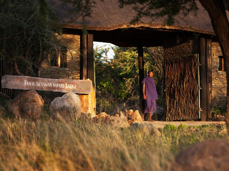 L'entrée du Four Seasons Safari Lodge Serengeti